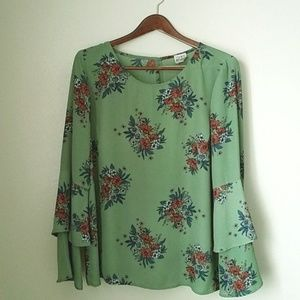Green Floral Top with Ruffled Sleeves size Small